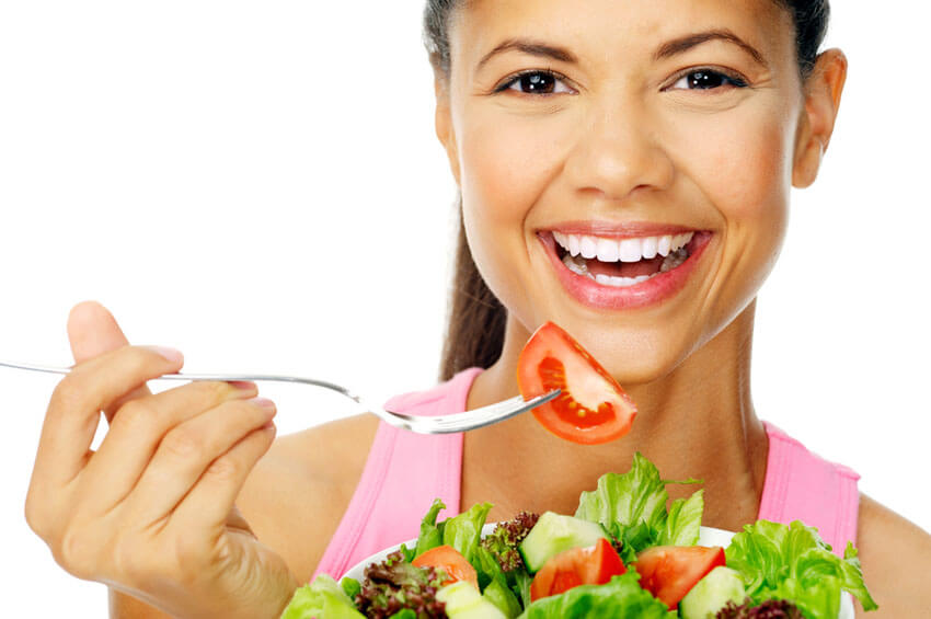 woman eating frequently on low carb diet